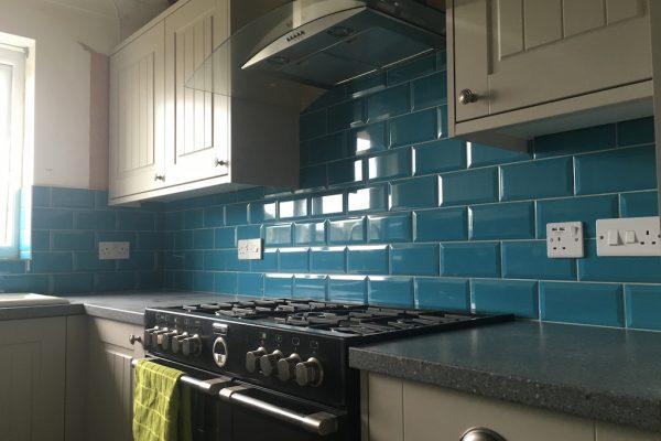 10 x 20cm ceramic tiles with bevelled edge.